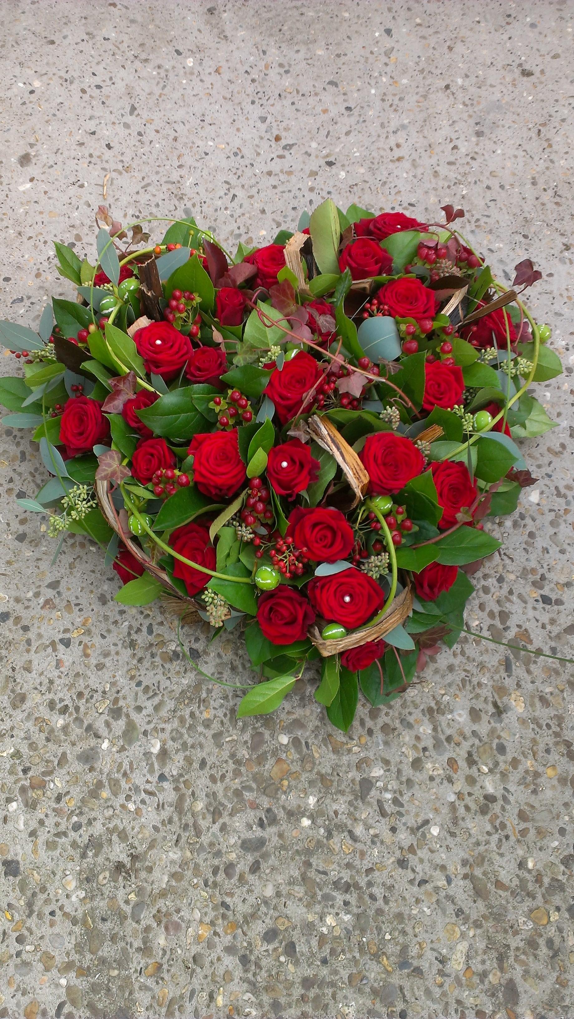 BL0 81 – Rode rozen vol hart 40 cm – € 69,50